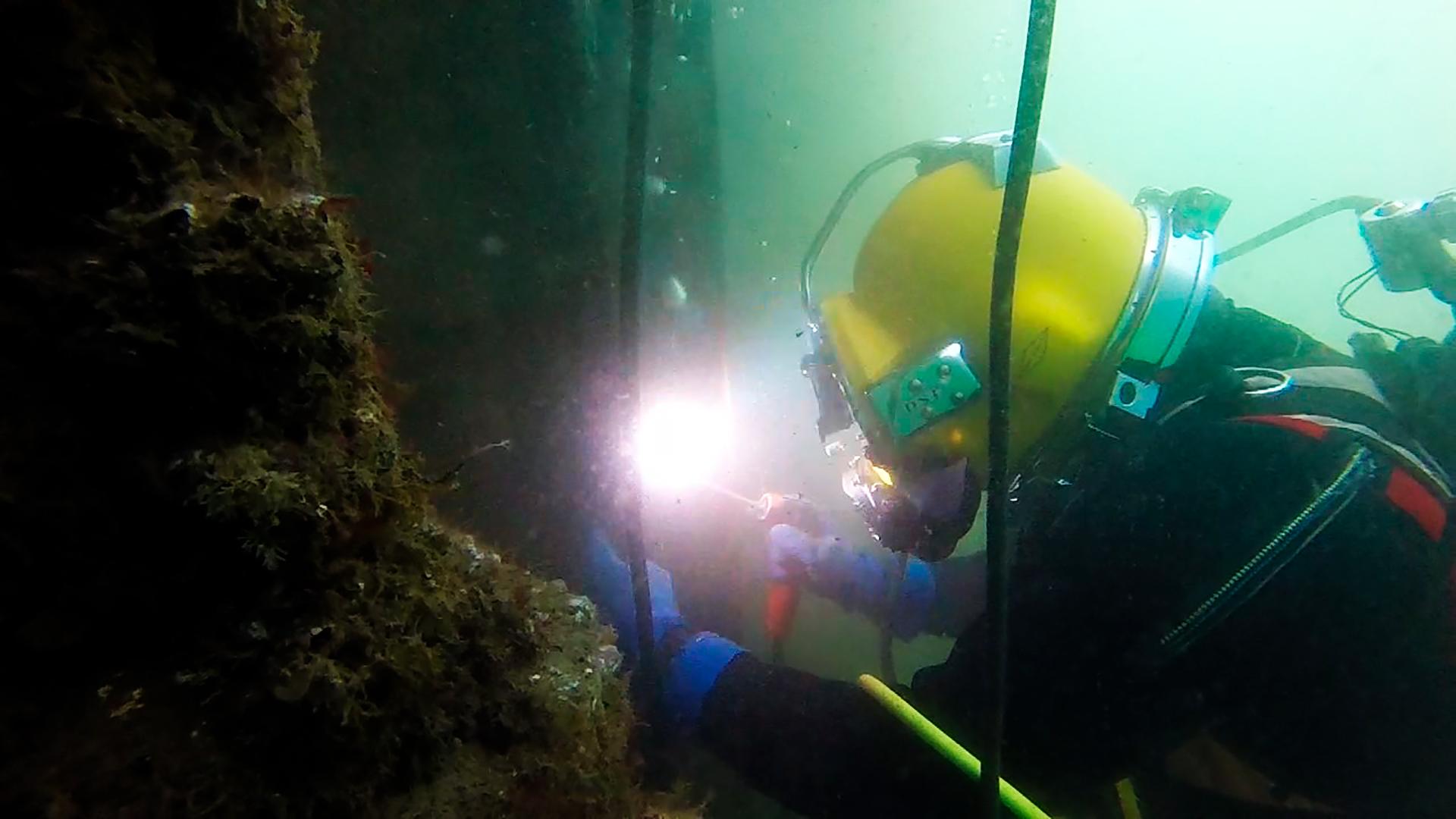 Trabajos Submarinos y Formación en Buceo Profesional